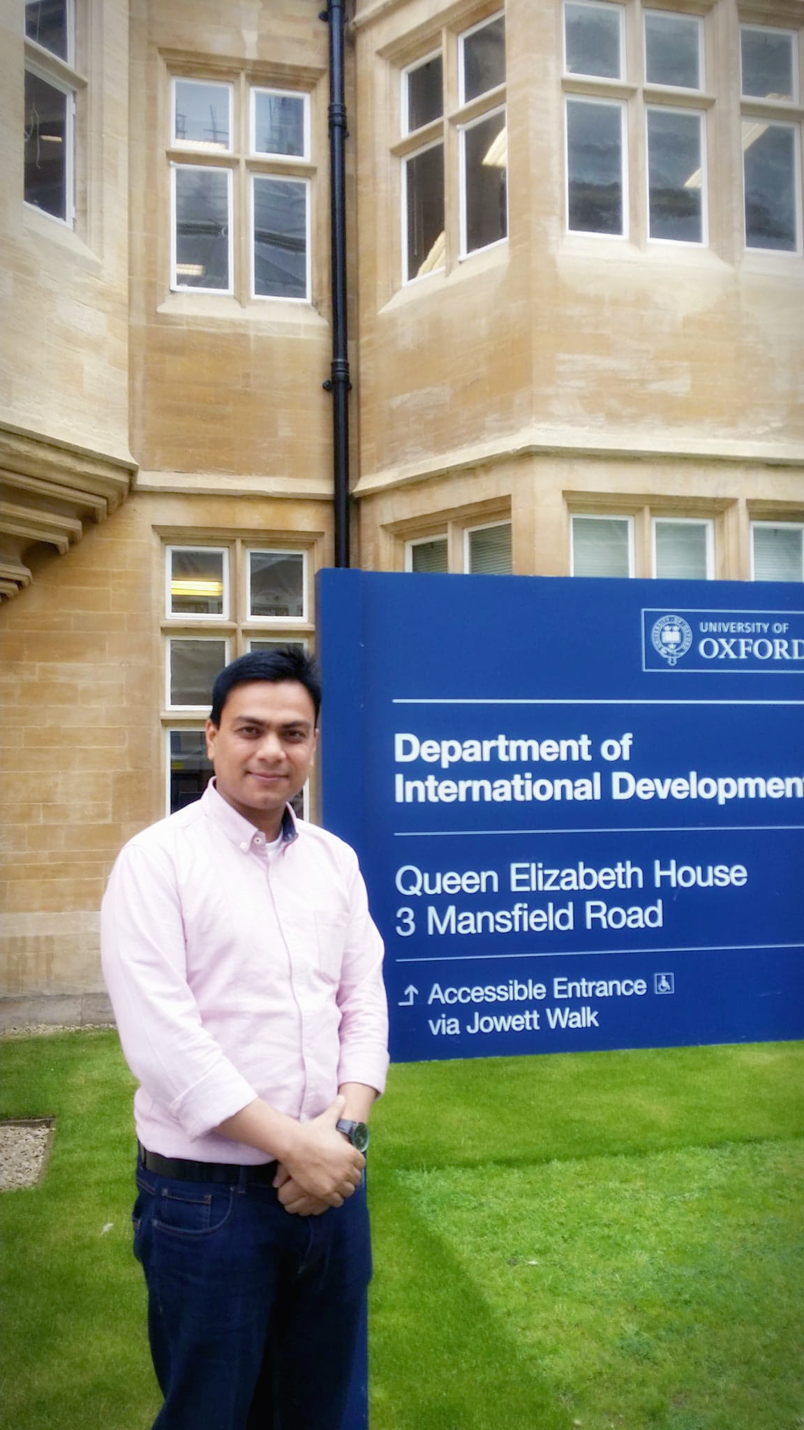 Dr.Tarik is in front of Oxford Department of International Development where He was affiliated as Visiting Research Fellow